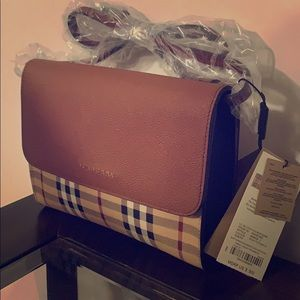 Burberry Loxley Hus Bright Toffee Cross Body Bag